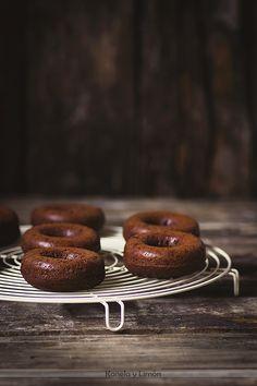 Donuts de chocolate al horno .