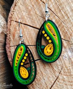12 Awesome Paper Quilling Jewelry Designs To Start Today – Quilling Techniques Paper Quilling Tutorial, Paper Quilling Patterns, Quilled Paper Art, Quilling Paper Craft, Paper Quilling Earrings, Arte Quilling, Origami And Quilling, Paper Jewelry, Paper Beads
