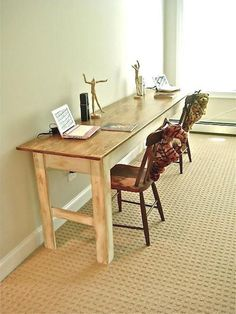 Include the warm rustic feeling to your home with the farmhouse style table. If you are searching for a straightforward however remarkable DIY Farmhouse Table to include in your space, look no further than these incredible Do It Yourself job suggestions! Handmade Desks, Farmhouse Table With Bench, Mismatched Chairs, Building A Kitchen, Kitchen Desks, Desk Plans, Bright Kitchens, Diy On A Budget, Searching