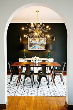 A dining room decor to make your guests feel envy! Grab the best dining room decor ideas to make your dining room design be the best when it comes to modern dining rooms designs. A best of when it comes to interior design ideas. Black Accent Walls, Black Walls, Black Rooms, Green Walls, Black Painted Walls, Bedroom Black, Black Rug, Master Bedroom, Dining Room Design
