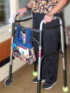 Mobella Bag Walker Looks Like A Good Design For Portability And Remove