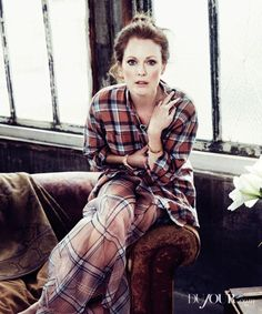 Age is only a number: Julianne Moore, tells DuJour magazine that Hollywoods fear of aging is really a fear of death and that there are still great roles for the older actresses Julianne Moore, Fear Of Aging, Carrie Movie, Photos Voyages, Tartan Plaid, Plaid Flannel, In Hollywood, Redheads, Street Styles