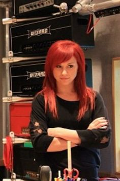 (Fc Jen Ledger) Hey I'm Carter. I'm a drummer in a band called Mile 322. I'm 18. Single. I love books, and playing drums. Introduce?