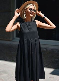 Cómo combinar un vestido negro - Outfit vestido negro - Simple Dresses, Cute Dresses, Casual Dresses, Summer Dresses, Linen Dresses, Mode Outfits, Dress Outfits, Fashion Dresses, Outfit Vestido Negro