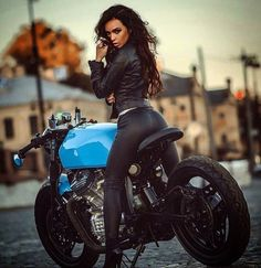 Thks to @bikebrewers for thi lovely and blue #honda #cx500 , please, next time…