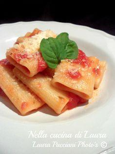 PACCHERI PASTA VERA AL POMODORO!    By Laura Pacciani  http://blog.giallozafferano.it/cucinalaura/paccheri-al-pomodoro/    www.pastavera.it    https://www.facebook.com/Pastavera