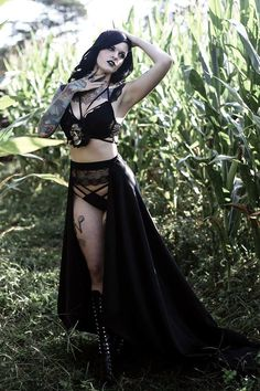 Model: SEC Modeling Photo: Vis La Vie Welcome to Gothic and Amazing |www.gothicandamazing.com