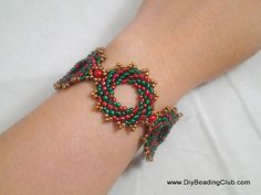 DIY Beading: Christmas Wreath Bracelet; I would also do this in different color schemes for year round =)
