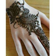 Pretty Henna Designs, Mehndi Designs Book, Mehndi Designs For Girls, Unique Mehndi Designs, Mehndi Design Pictures, Beautiful Mehndi Design, Arabic Mehndi Designs, Henna Tattoo Designs, Henna Tattoos