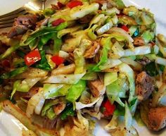 Ingredients     	3 chicken breast halves.   	1 tsp of oil.   	3 cups of green shredded cabbage.   	½ cup of diced red bell pepper.   	1 tbsp of cornstarch.   	½ tsp of ground ginger.   	1 tsp of garlic