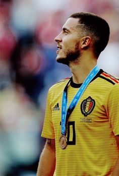Eden Hazard of Belgium with his place medal after the 2018 FIFA World Cup Russia Place Playoff match between Belgium and England at Saint Petersburg Stadium on July 2018 in Saint. Cristiano Ronaldo Juventus, Neymar Jr, Eden Hazard Wallpapers, Hazard Real Madrid, Eden Hazard Chelsea, Real Madrid Wallpapers, Manchester United Players, Real Madrid Football, Football Players