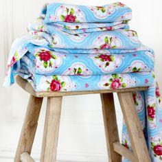 ACHICA   PiP Studio Flower Medallion Bath Towel, Blue