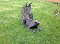 Perfect Dragon to guard the lair or stairs or lab or slab! Mother of Dragons! Dragon Statue, Dragon Art, Magical Creatures, Fantasy Creatures, Dragon Dreaming, Cool Dragons, Dragon's Lair, Celtic Dragon, Fantasy Dragon