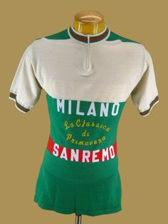 Vintage Knit Wool Milan Milano Sanremo Italy Italia Cycing Jersey Maglia L Cycling News, Cycling Art, Cycling Jerseys, Road Cycling, Vintage Cycles, Vintage Bikes, Vintage Sport, Vintage Wool, Cycling Outfit