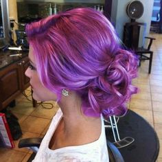 Gorgeous lavender hair - If I had the guts I'd wear my favorite color on the top of my head like so.... :(