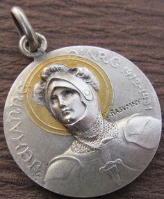 Saint Joan Of Arc, St Joan, Catholic Saints, Patron Saints, Hero Girl, My Hero, Jeane D Arc, Religious Icons, Gods And Goddesses