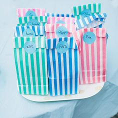 100 Layer Cakelet #party #favors