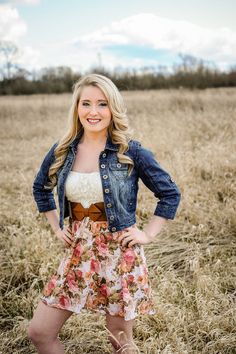 Class of 2014 Feild, chic, county, senior photo, pose Photos by B. Jones Photography
