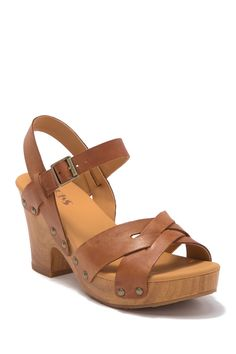 KORKS - Bagley Platform Heeled Sandal is now 37% off. Free Shipping on orders over $100. Clog Sandals, Dress Sandals, Leather Sandals, Flat Heel Boots, Heeled Boots, Baskets, Wooden Sandals, Platform Block Heels, Silver Heels