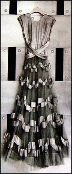 Châtelaine's Dreams: Antique dresses found again - an excavation of unearthly beautiful robes