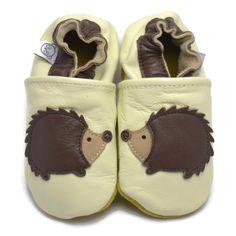 faa084f49dde4 Panda Feet tofflor är handgjorda i mjukt läder av god kvalitet. Lädret  låter huden andas