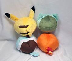 Peluche Pokemon redondo colección Pikachu por SeamsLegitCrafts