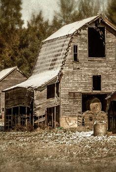 old barns on pinterest | Barns old n new / Barn Hay In Door