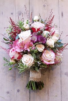 From the Svadba Collection- A wedding bouquet of roses – the most original options. Recommendations of the florist on the composition of flower arrangements from different types of roses: small, bush. Summer Wedding Bouquets, Summer Wedding Colors, Bride Bouquets, Flower Bouquet Wedding, Floral Wedding, Rustic Wedding Bouquets, Spring Wedding, Bridal Bouquet Pink, Rustic Bouquet
