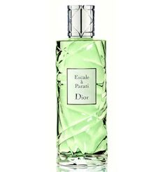 Dior's Escale à Parati is meant to be shared between the sexes, providing a light air inspired by the Costa Verde and its atmosphere of fun, dance and music. The fragrance includes citrusy and woody notes of bitter orange (bigaradier), lemon, petit-grain, rosewood, mint, cinnamon, red berries and tonka bean