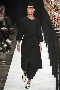 Henrik Vibskov Copenhagen Fall 2016 Fashion Show