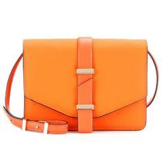 Mini-sac cartable en cuir texturé, Victoria Beckham chez Net-a-porter.com