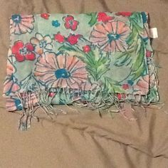 Lilly Pulitzer Murfee Scarf Never worn, From 2013 collection. Beautiful scarf but never had a place to wear it. Lilly Pulitzer Accessories Scarves & Wraps