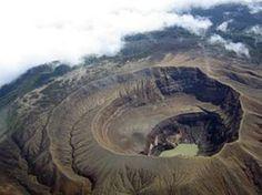 Santa Ana Volcano - El Salvador Volcán de Santa Ana, El Salvador :)