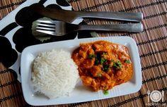 Denna ganska enkla kycklinggryta, med smaker från Asien, är både enkel och snabb och koka ihop.SambalOelek ger lite hetta åt grytan.      Ingredienser    Recept för 4 personer      Ris för fyra personer 4-5 st kycklingf