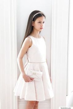 Define what it means to look glamorous with this luxury pale pink bridesmaid bow dress. A real statement choice for elegant weddings ceremonies and parties. Little Girl Dresses, Dresses For Teens, Girls Dresses, Flower Girl Dresses, Pale Pink Bridesmaids, Designer Childrenswear, Teen Fashion, Fashion Outfits, Communion Dresses