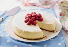 New York Style Cheesecake Aldi Cheese, New York Style Cheesecake, Digestive Biscuits, Home Baking, Baking Tins, Vegetarian Cooking, Serving Plates, Easter Recipes, Cheesecake Recipes