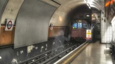 Haunted London – 10 London Ghosts and the Places They Purportedly Haunt