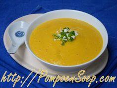 2 beproefde recepten voor pompoensoep met kaas en zonder kaas maar beide met een lichte kaassmaak zodat je zal genieten van romige, kleurige, feestelijke soep.