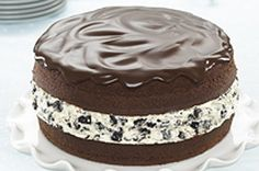 Make our delectable Chocolate-Covered OREO Cookie Cake recipe to start a tasty new tradition. Everyone loves this cookie cake recipe as a birthday treat! Just Desserts, Delicious Desserts, Dessert Recipes, Yummy Food, Oreo Cake Recipes, Frozen Desserts, Delicious Chocolate, Cupcakes, Cupcake Cakes