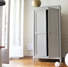 Image of Armoire parisienne