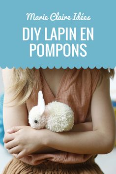 En assemblant deux pompons ensemble, créer un lapin tout doux ! Un DIY trop mig… By assembling two pompoms together, create a sweet bunny! A DIY too cute to do with your children. Pot Mason Diy, Mason Jar Crafts, Bottle Crafts, Cute Diys, Cute Crafts, Diy Crafts, Pom Pom Crafts, Idee Diy, Diy Projects To Try