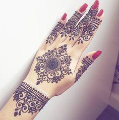Mehendi, Mehandi Henna, Henna Body Art, Hand Mehndi, Mehndi Tattoo, Modern Henna Designs, Wedding Mehndi Designs, Wedding Henna, Mehndi Designs For Hands