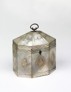 Tea caddy | V&A Collections