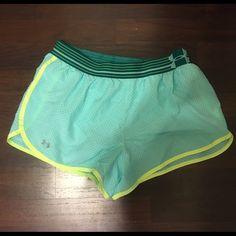 Under Armor Athletic Shorts Under armor size medium/large worn once. Under Armour Shorts