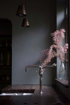 Kolme kotia - Three Homes Mielenkiintoisia koteja alkavan viikon iloksi. Koti Englannissa - A Home in England Design Sponge ...