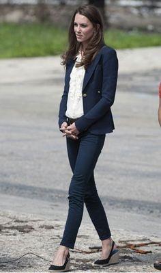 Kate Middleton in Canada 2011. Smythe blazer, dark jeans, Linda Camm belt, slingback wedges