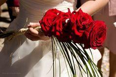 Wedding Gallery, Red Wedding, Wedding Bouquets, Hair Styles, Beauty, Beleza, Bridal Bouquets, Wedding Brooch Bouquets, Hairdos