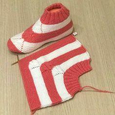 Two Skewers - patikler Crochet Bolero Pattern, Knit Slippers Free Pattern, Crochet Socks, Knitting Socks, Crochet Stitches, Crochet Baby, Knit Crochet, Knitted Booties, Knitted Slippers