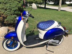 Honda Metropolitan, Vespa, Motorcycle, Mopeds, Adventure, Vehicles, Cars, Motor Scooters, Wasp