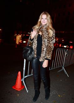 British model Lily Donaldson wears leopard print coat with black blouse and leather pants. Animal Print Fashion, Fashion Prints, Lily Donaldson, Leopard Print Coat, Snake Print Dress, Model Street Style, Everyday Outfits, Style Guides, Fashion Models